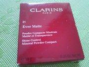 матирующая минеральная пудра Clarins 01 Ever Matte